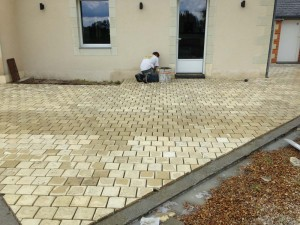 Terrasse en pavés - AB Aménagement