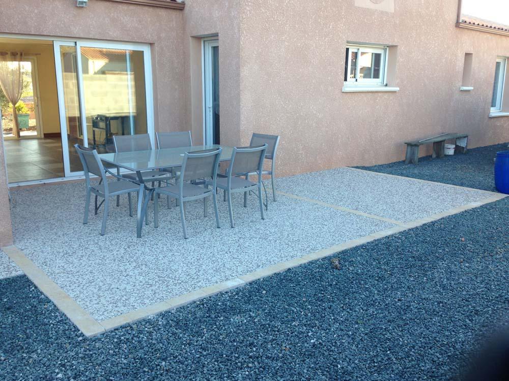 Beautiful Terrasse en béton désactivé à Triaize - AB Aménagement CY35